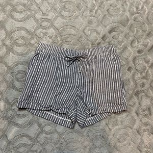 Stripped casual shorts
